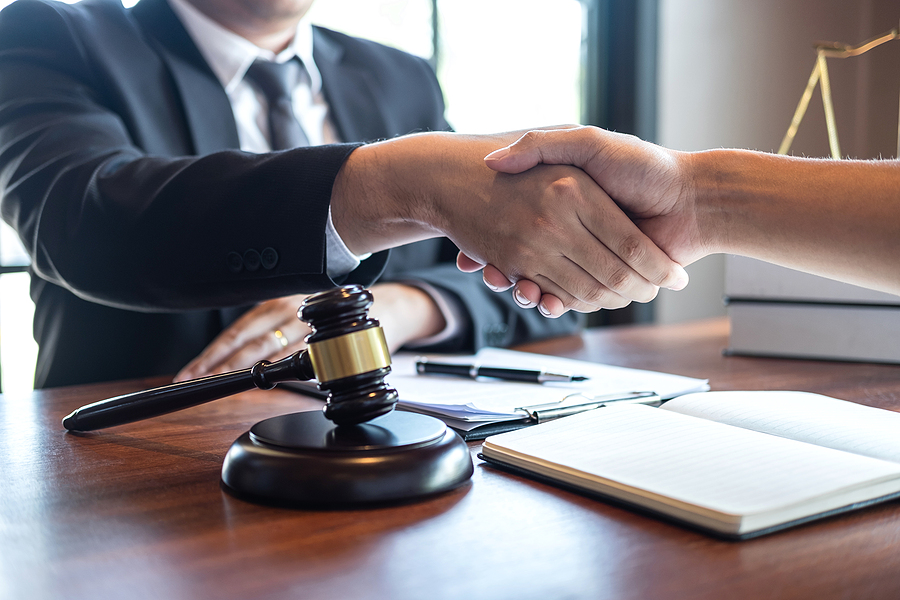 family lawyer in Sydney meeting a client